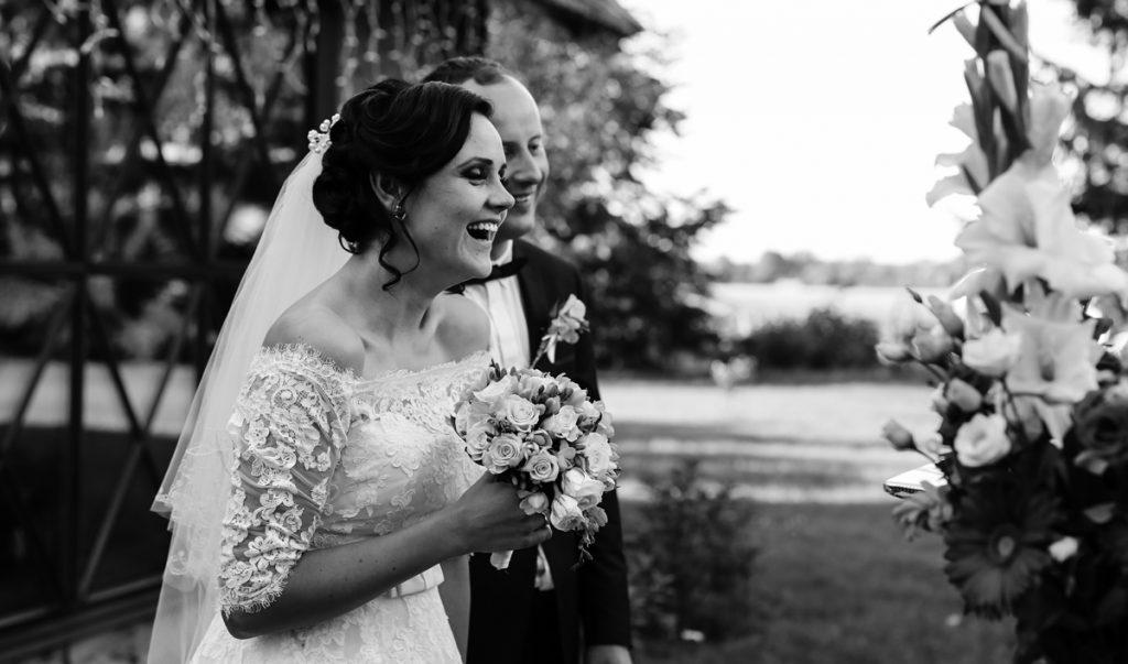 Patarimai vestuvių fotosesijai. Kaip surasti geriausią fotografą vestuvėms